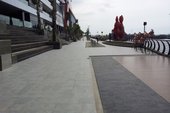 Shopping Mall in Jakarta, Indonesia   dBasalt Collection