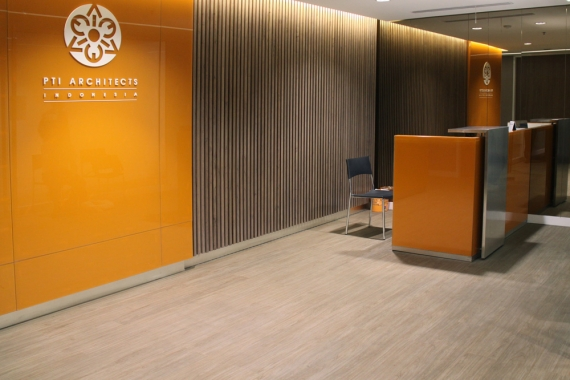 Office in Jakarta, Indonesia | dCastanea Collection