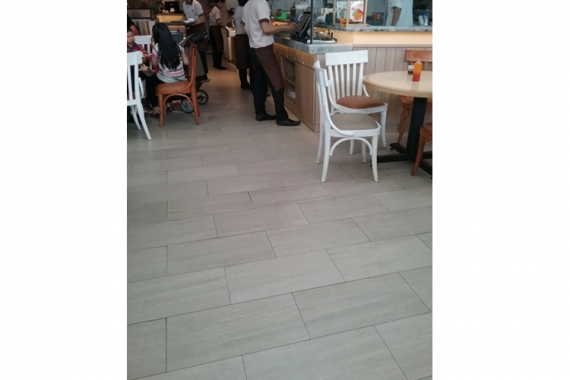 Commercial Modern Retail Outlet in Tangerang, Indonesia   dBlizzard Collection